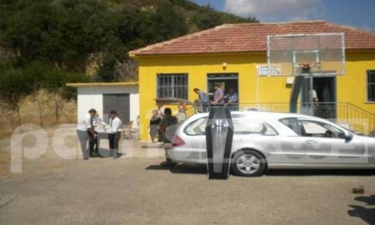 Απίστευτο: Έκαναν κηδεία μέσα σε δημοτικό σχολείο της Ηλείας