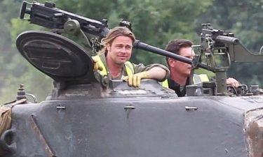Ο Brad Pitt οδηγεί… τανκ!
