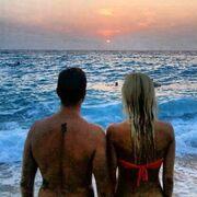 O Ηλίας Βρεττός μιλά για την περιβόητη ρομαντική φωτογραφία που πόσταρε στο instagram και τα αρνητικά σχόλια, που άκουσε!