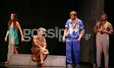 Πρεμιέρα για την παράσταση «Ωχ, τι κόσμος γιαγιά»