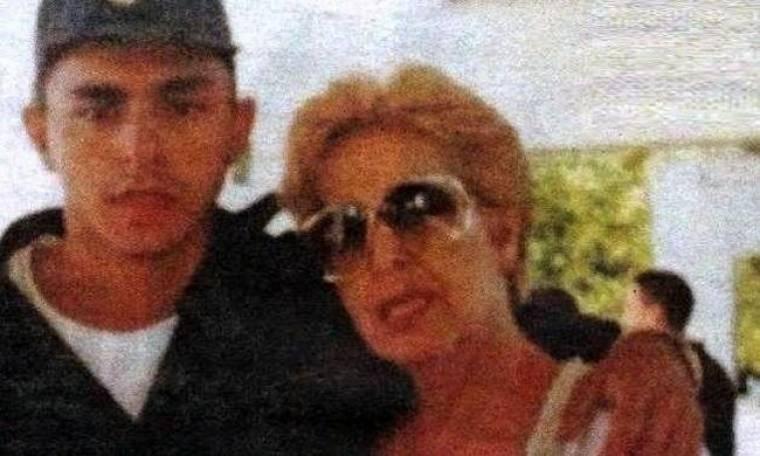 Πόλυ Πάνου: Ο άγνωστος υιοθετημένος γιος της Βαγγέλης και η κρίσιμη κατάστασή της στην εντατική!