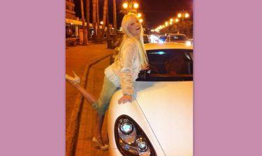 Τζούλια Αλεξανδράτου: Και στις Κάννες πίνει... σαμπάνια! (φωτό)
