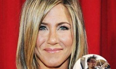 Θα πάθετε πλάκα: Γνωρίστε τον ετεροθαλή αδελφό της Aniston και μείνετε με το στόμα ανοιχτό (φωτός)