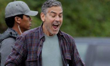 George Clooney: Περνάει και μόνος του καλά!