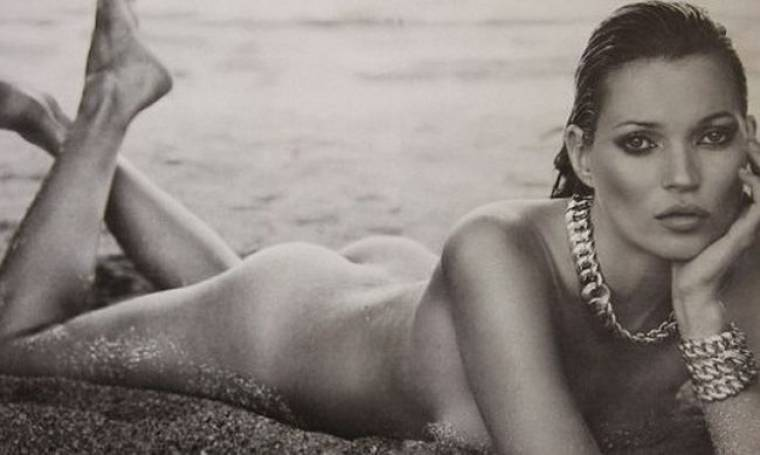 H Kate Moss ποζάρει… όπως την γέννησε η μαμά της