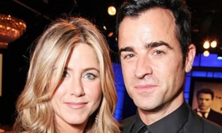 Η Jennifer Aniston έθεσε βέτο: Απαγόρευσε στον Theroux να πάρει σπίτι τους τα... δόντια του!