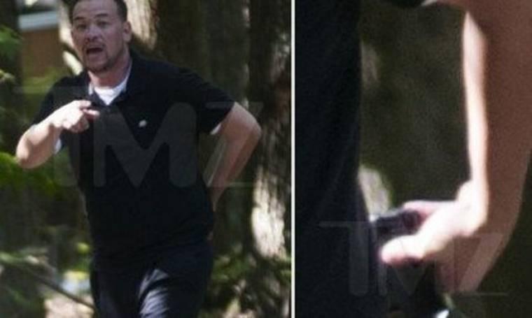 Ηθοποιός τράβηξε όπλο σε παπαράτσι και έριξε προειδοποιητική βολή!
