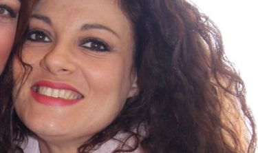 Τάνια Τρύπη: «Η μόνη συμβουλή που θα έδινα στις κόρες μου θα ήταν να κάνουν ό,τι τις ευχαριστεί και να είναι ευτυχισμένες»