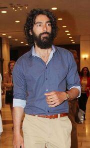 Ένας Έλληνας στην αγκαλιά της Λετίσια Κάστα!