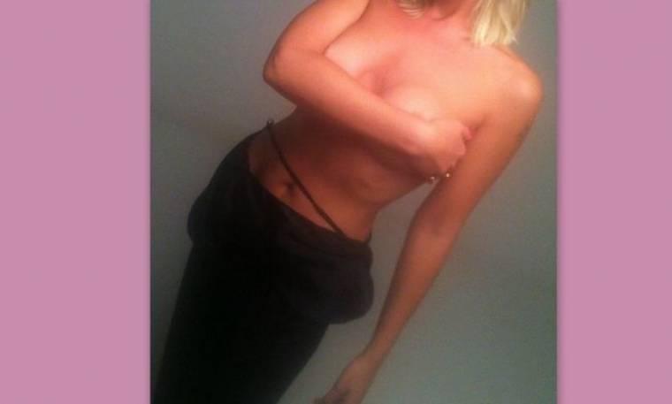 Συνέβη τώρα: Της έπεσε το μπουστάκι κατά την διάρκεια φωτογράφησης… (Nassos blog)