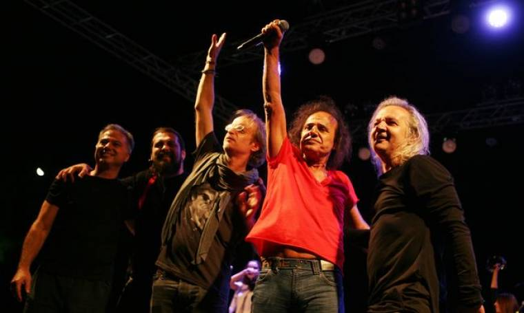 Η μεγάλη συναυλία του Βασίλη Παπακωνσταντίνου στο Κατράκειο!