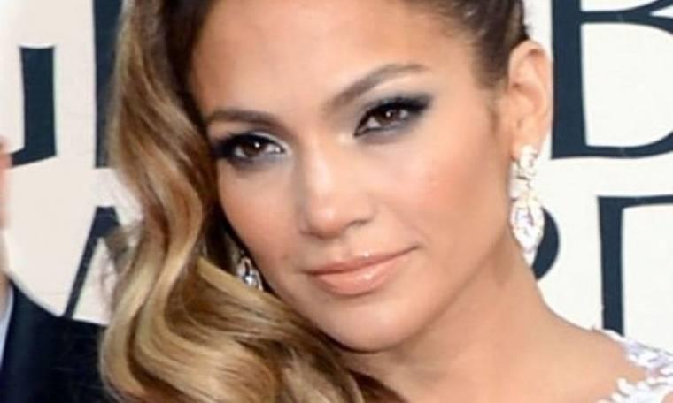 Jennifer Lopez: 44 ετών, με κοιλιακούς που θα ζήλευαν δύο 20άρες!(φωτό)