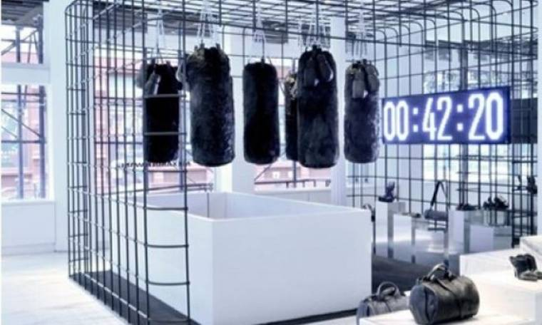 O Alexander Wang δημιουργεί ένα fight club στο κατάστημά του
