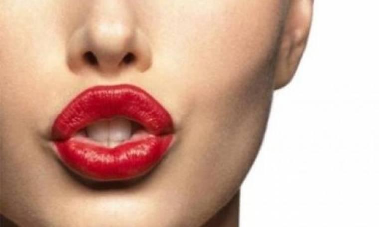 Η απόλυτη φυσική μέθοδος για πιο σαρκώδη χείλη στο λεπτό!