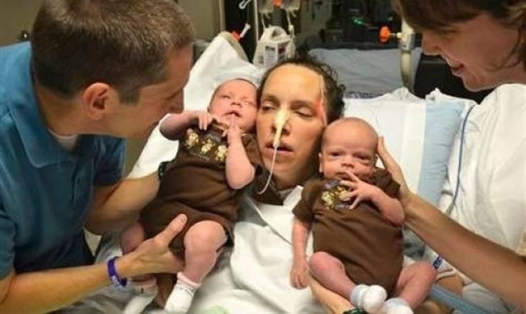 Σοβαρά άρρωστη μητέρα καταφέρνει να δει τα δίδυμα μωρά της, μετά από σχεδόν ένα μήνα!