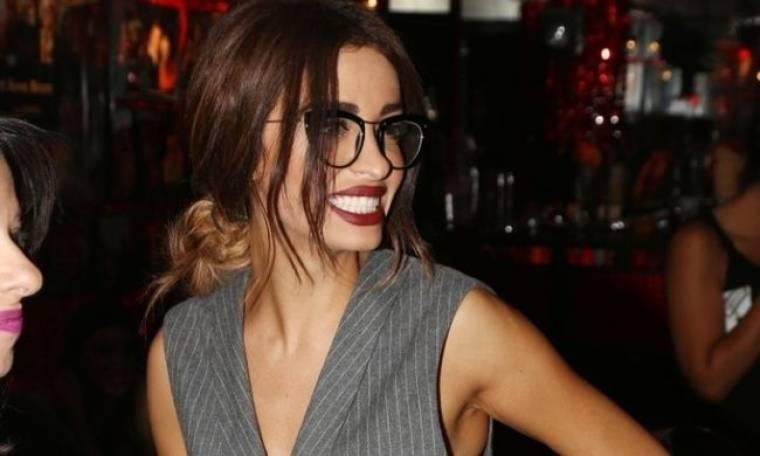 Με νέο look και σχεδόν αγνώριστη η Ελένη Φουρέιρα