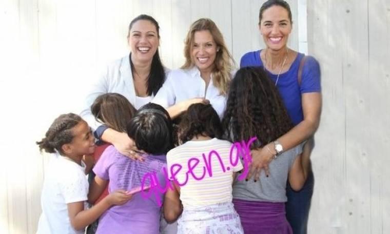 Η Βίκυ και η Νόνη μοιράσαν χαμόγελα στα παιδάκια χθες στο Χατζηκυριάκειο ..  ((Γράφει η Majenco αποκλειστικά στο Queen.gr)