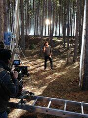 Σε δάσος έκανε τα γυρίσματα του νέου του βίντεο κλιπ ο Νίκος Βέρτης!