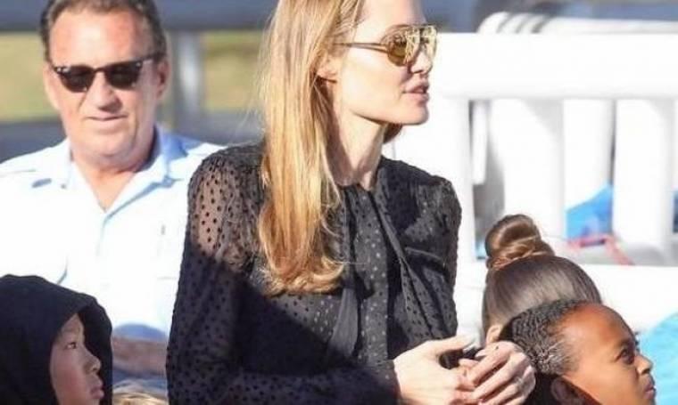 Angelina Jolie: Το δαχτυλίδι που «φούντωσε» τις φήμες περί γάμου