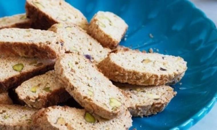 Μπισκότα με καρύδα και φιστίκια Αιγίνης