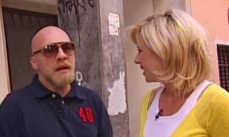Νίκος Μουτσινάς: Το μικρό υπόγειο, οι κατσαρίδες και ο φόβος του!