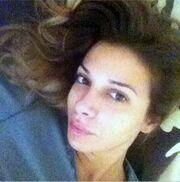 Δείτε την Ελένη Χατζίδου στο κρεβάτι της εντελώς άβαφτη και με τη νέα της… μύτη!