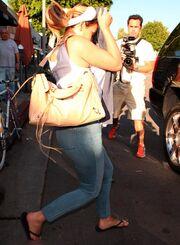Οι paparazzi ανακάλυψαν το μυστικό της Kardashian