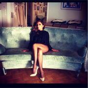 Η Βανδή φωτογραφίζεται μ' ένα πουλόβερ και… με τις γόβες της «βάζοντας φωτιά» στο instagram!