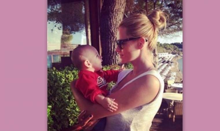 Η Νάταλι Θάνου μας δείχνει τον τεσσάρων μηνών γιο της