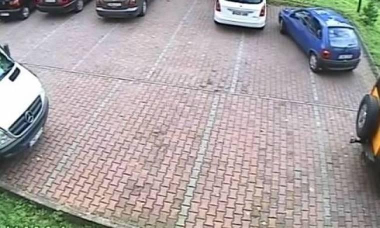 Όταν η έξοδος από parking μοιάζει με πυρηνική φυσική