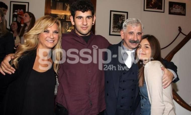 Πέτρος Φιλιππίδης: Πρεμιέρα με την οικογένειά του στο πλευρό του