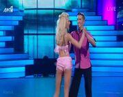 Ευαγγελία Αραβανή: Άνοιξε την αυλαία του «Dancing» με σέξι λίκνισμα!