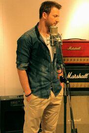 Κώστας Καραφώτης: Στο στούντιο για το νέο του τραγούδι