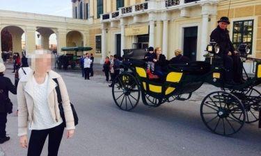 Ποια Ελληνίδα σεξοβόμβα δεν ξεκολλά να κοιτά ο αμαξάς;
