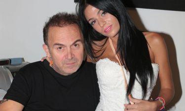 Ο Σταμάτης Γονίδης γράφει για την κόρη του. Δείτε τους στο στούντιο!