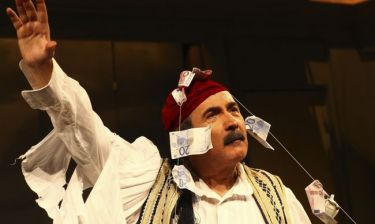Λάκης Λαζόπουλος: Αύριο η πρεμιέρα της θεατρικής του παράστασης