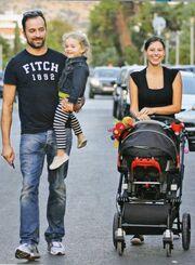 Γιώργος Λιανός-Ανθή Ανδροτσάκη: Οικογενειακή βόλτα με τα παιδιά τους