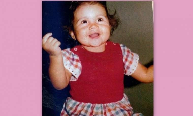 Το κοριτσάκι που γελά γλυκά, σήμερα είναι γνωστή Ελληνίδα ηθοποιός