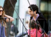 Δέσποινα Καμπούρη: Οικογενειακή βόλτα στην παιδική χαρά