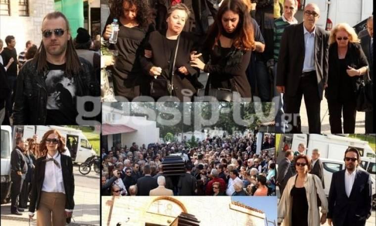 Όλοι ήταν εκεί στο τελευταίο «αντίο» του Νίκου Φώσκολου