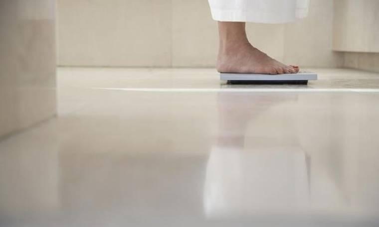 Οι 3 διατροφικές συνήθειες που σαμποτάρουν το αδυνάτισμα