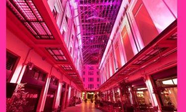 Η Στοά Σπυρομήλιου έγινε ροζ για την Παγκόσμια Εκστρατεία Ενημέρωσης για τον Καρκίνο του Μαστού της Estee Lauder