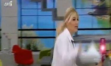 Φαίη Σκορδά: Παραπάτησε on air!