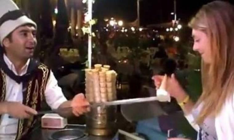 Παγωτό χωνάκι για γερά νεύρα στην Τουρκία (vid)