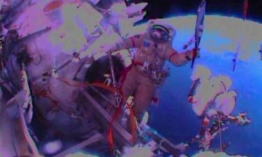 Ιστορικός περίπατος στο διάστημα με την ολυμπιακή δάδα
