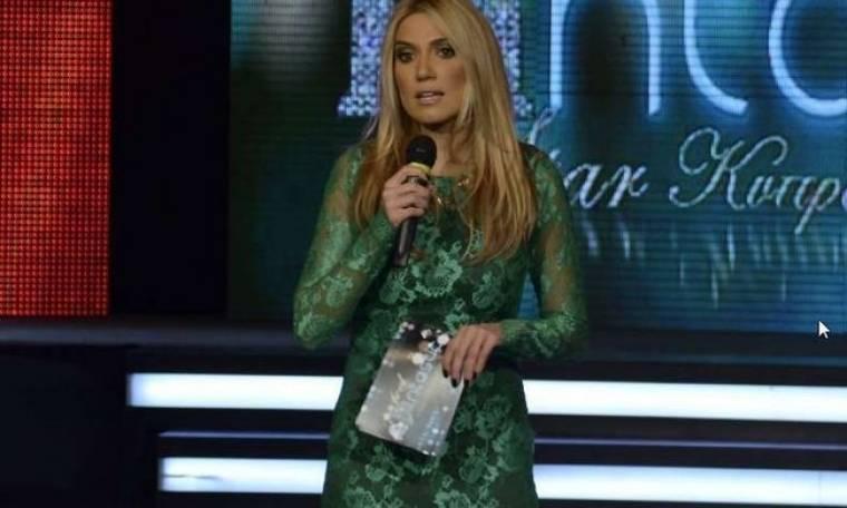 Έλενα Παπαβασιλείου: Σκίστηκε το φόρεμα της την βραδιά των καλλιστείων στην Κύπρο
