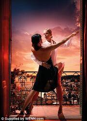 Η εκπληκτική φωτογράφηση της Uma Thurman για ημερολόγιο!
