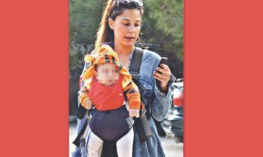 Κατερίνα Παπουτσάκη: Η βόλτα της με τον έξι μηνών γιο της