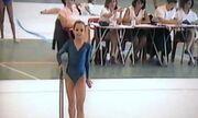 Και όμως είναι η Ντορέττα Παπαδημητρίου, μόλις 13 ετών και συμμετέχει σε αγώνες ενόργανης!