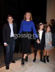 Τατιάνα Στεφανίδου-Νίκος Ευαγγελάτος: Οικογενειακή έξοδος στο θέατρο!